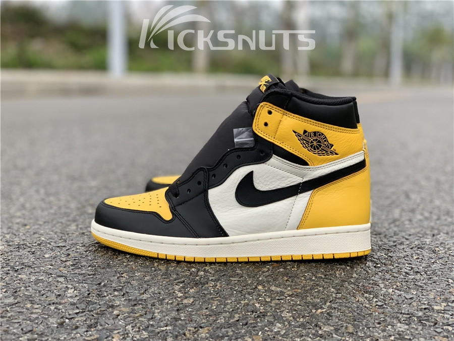 "c21fbb8fec44 Weight(kg)  1.5 Category  Authentic Air Jordan 1 ""Yellow Toe"""